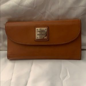 Dooney & Bourke leather wallet.